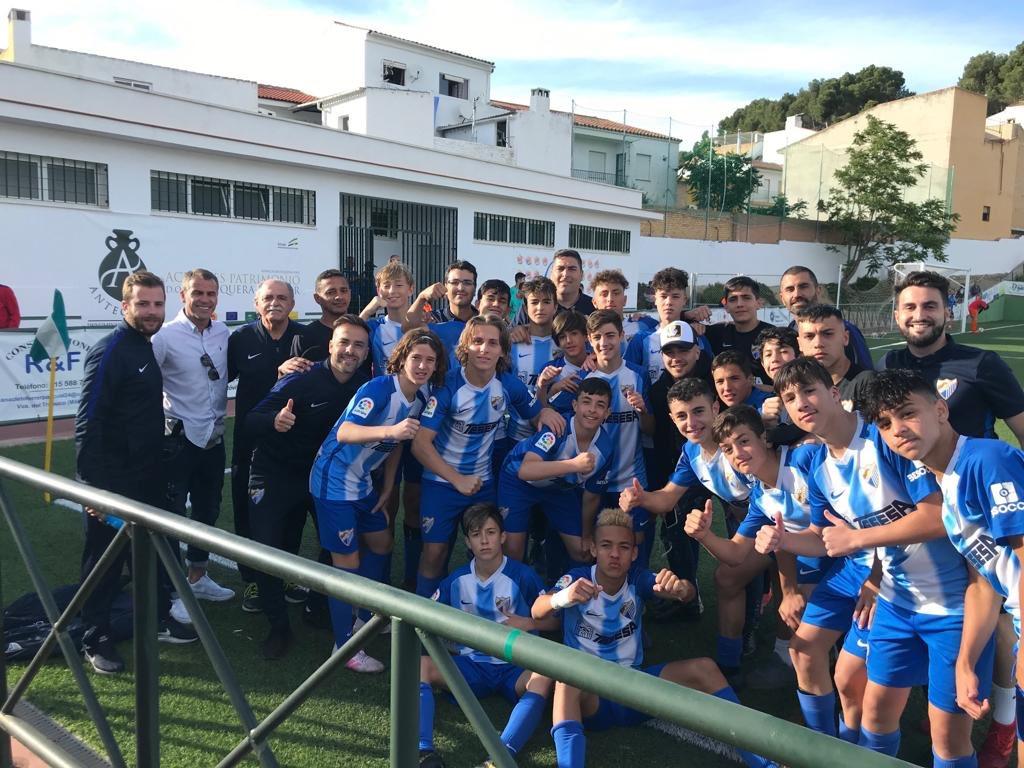 ACADEMIA| ¡¡El #Infantil se clasifica para la FINAL de la #CopaDeAndalucía!! 💙  ¡Muchas felicidades! 😊  @javiontiveros39, Duda y Darío Silva, no se han perdido su partidazo de esta tarde ante el @RealBetis  😱
