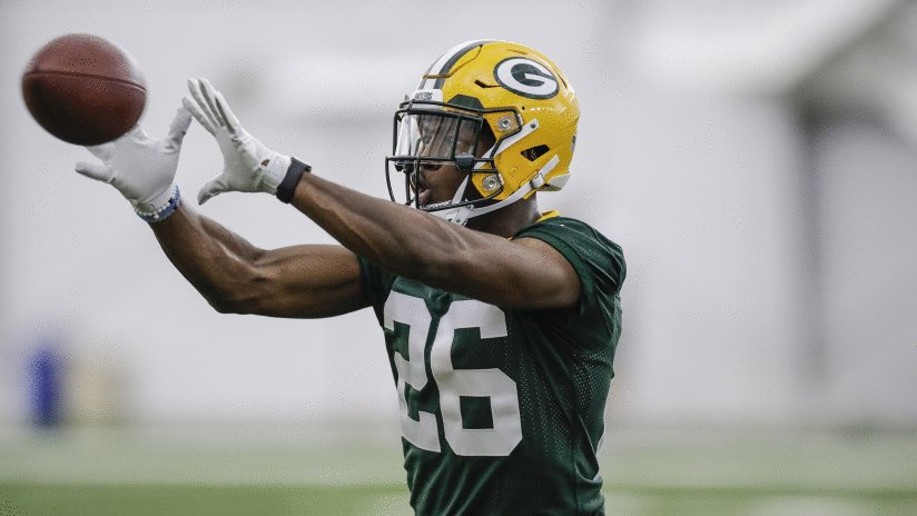 "Darnell Savage and former Packers safety Nick Collins had nearly identical combine statistics   Savage                     Collins • 5'11"" 198               • 5'11"" 206 • 4.36 40                 • 4.36 40 • 39.5"" vertical       • 40"" vertical  26 Savage warming up #BallHawk<br>http://pic.twitter.com/PJLSJxTnQx"