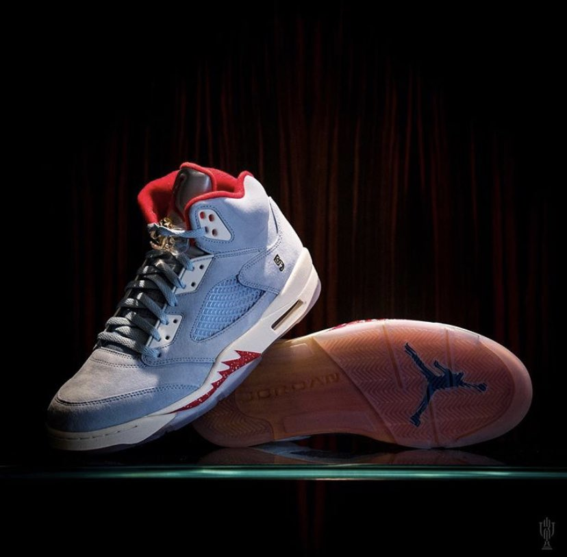 ba62e1435798 (High) Resell Price   370- 500+ Releases Tomorrow on Trophy Room   10AM  EST. Small the Size