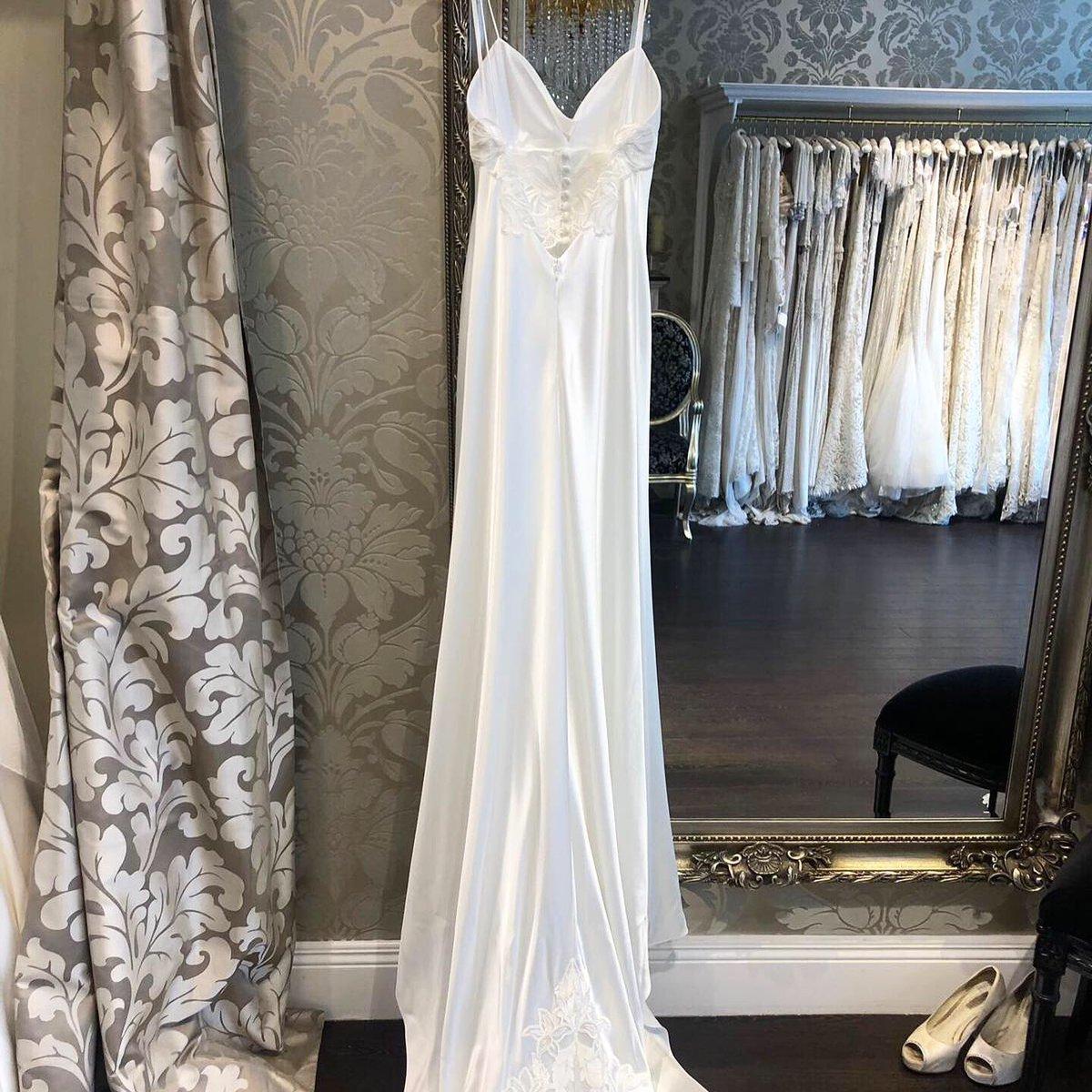 3f2109626e8ec Reduced Designer Wedding Dresses