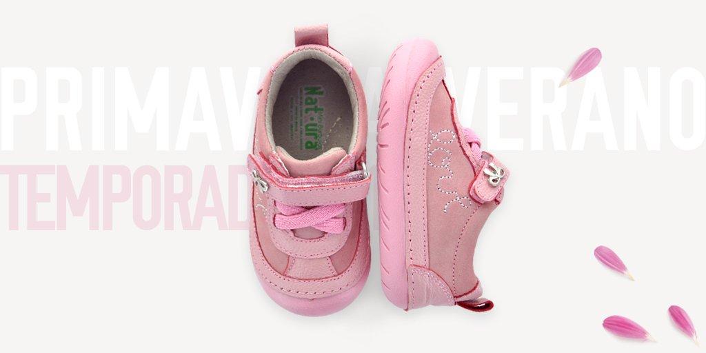 6ae95c5b #BuenViernes El rosa esta de moda en Mini Burbujas, ideales para dar los  primeros pasos de tu peque. Talla 11-15 Adquiérelos en nuestra tienda en  linea ...