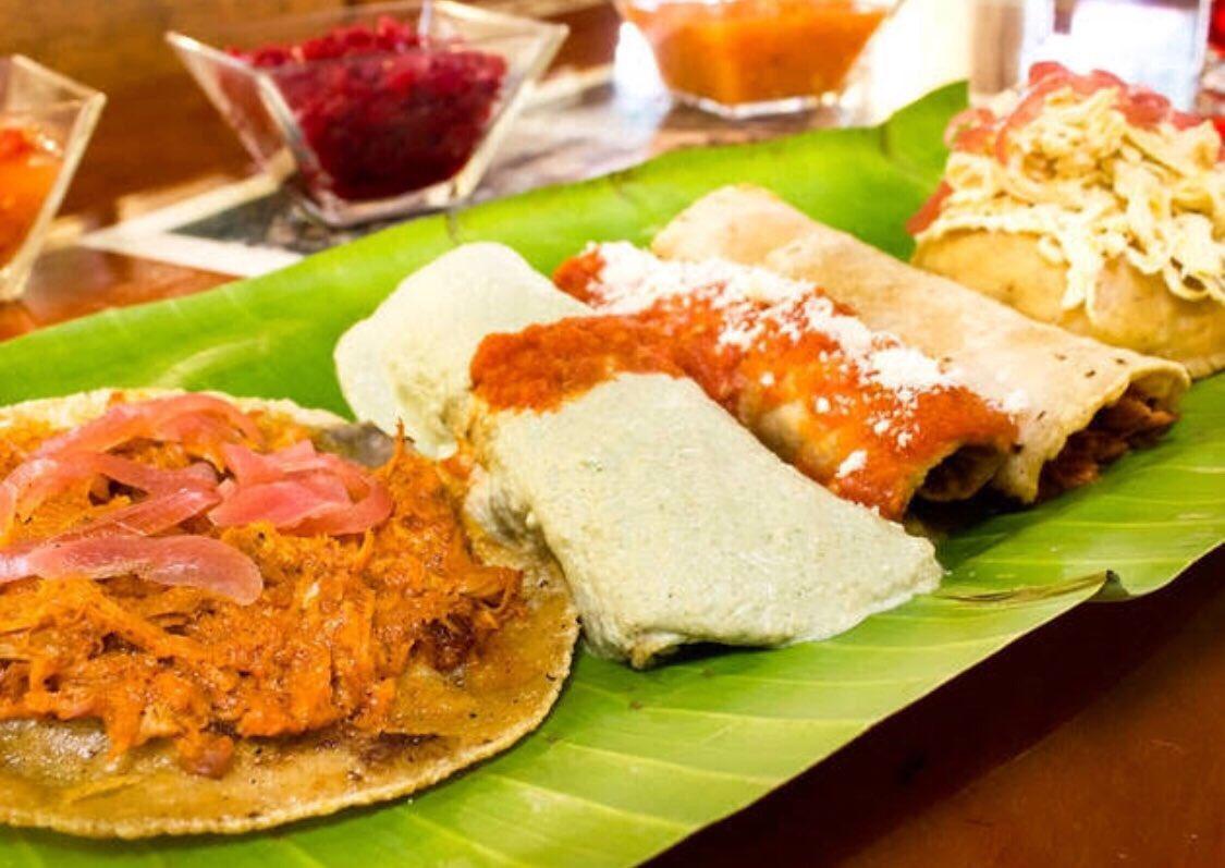 Una de las #CincoParallevar  es mía. Y es comida yucateca. Se trata de @LeLahTho está en Patriotismo 456 y les va a encantar. #AsiLasCosasConLoret @WRADIOMexico
