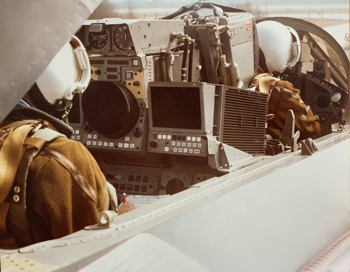 On 29th May, @Airbus turns 50. For that, I dipped into our archives in Munich to look for historic images. Are you ready for some really cool stuff? Here's for a start a Tornado crew preparing for a mission in the early days of this 🇩🇪🇬🇧🇮🇹programme. More to come. 😊#WeMakeitFly