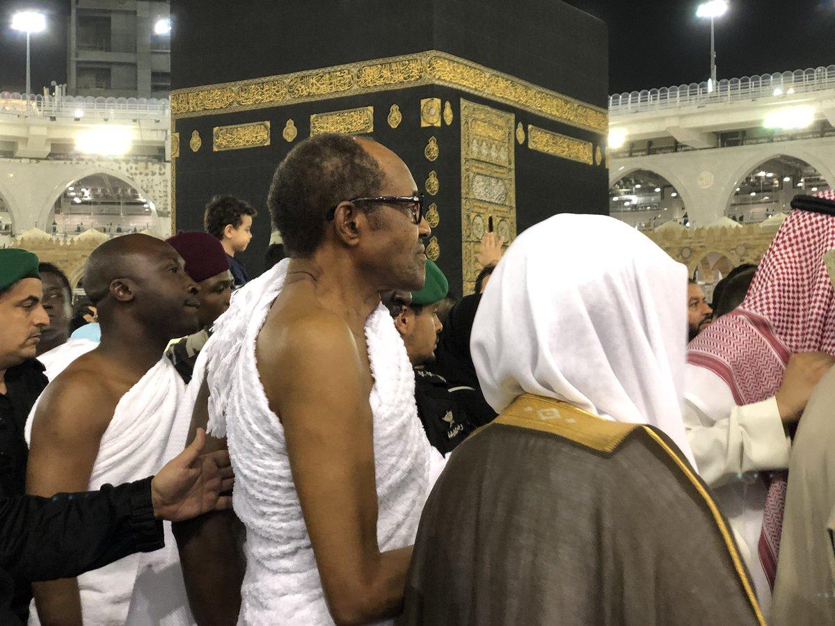 D6zeK8mW0AAnU10 - (Photos) Buhari performs Umrah at the Masjid Haram (the Grand Mosque) in Makkah