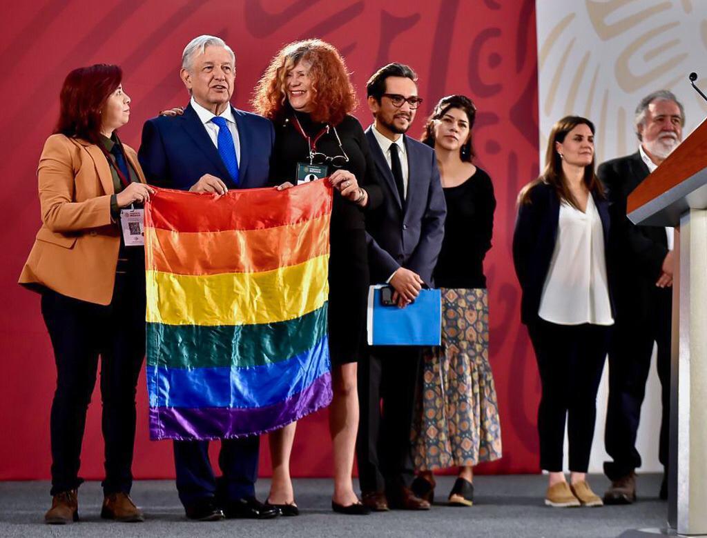 #EnVivo @ahaasp, presidenta de @CONAPRED en #AsíElWeso con @EnriqueEnVivo por @WRADIOMexico: