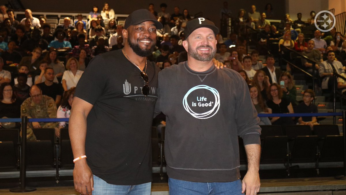 Mike Tomlin, always been a fan of the leader of #SteelerNation and now an EVEN BIGGER fan of Mike Tomlin the human being. Love you pal, g #GARTHinPITTSBURGH