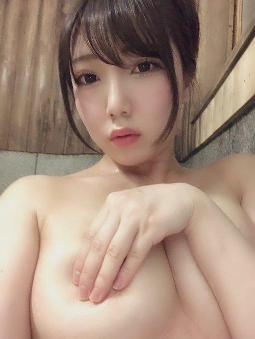 秋山こはるのTwitter自撮りエロ画像12