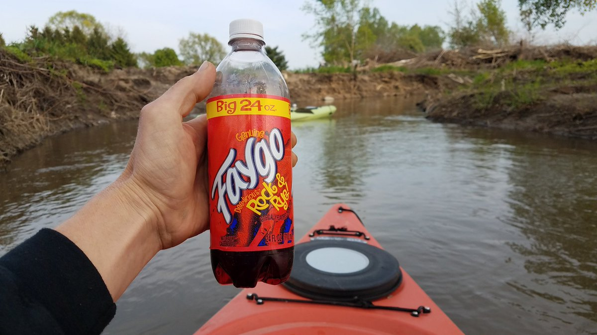 HAPPY Saturday on the water early! With my Rock and Rye @Faygo! #michiganmade #RockandRye