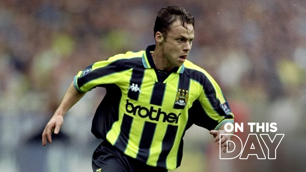 Never forget where we came from 💙  ⏰ #OnThisDay 1999 🔷 #ManCity | https://t.co/axa0klD5re https://t.co/b0sJGofuIX