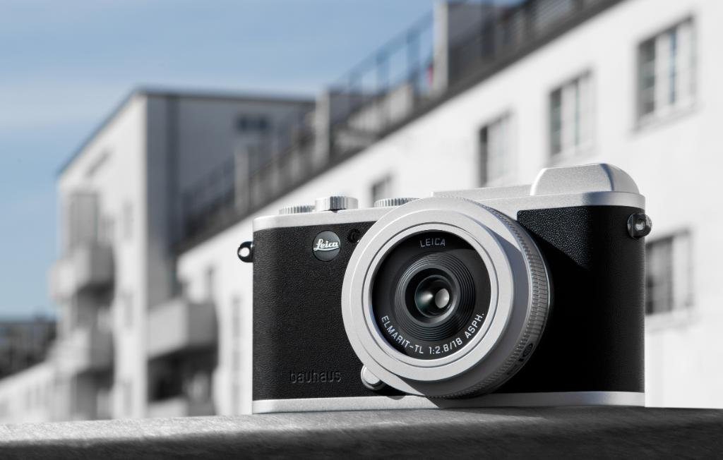 """The #LeicaCL """"100 jahre bauhaus""""edition unites the design principles of #Bauhaus and #Leica that withstand the test of time. What do you think is the best example of the """"form follows function"""" design principle? Discover the details:  http://bit.ly/2W065l1"""
