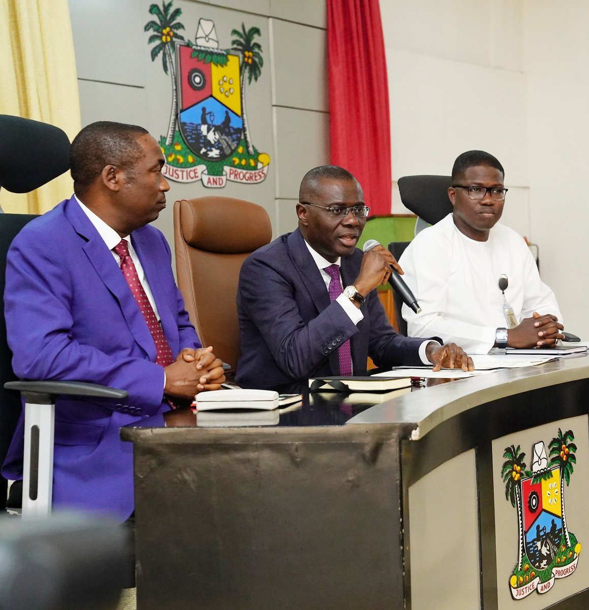 D70d5psX4AET HQ - Photos: Lagos State Governor, Babajide Sanwo-olu, Shares Details Of The Two Things He Did On His First Day At Work