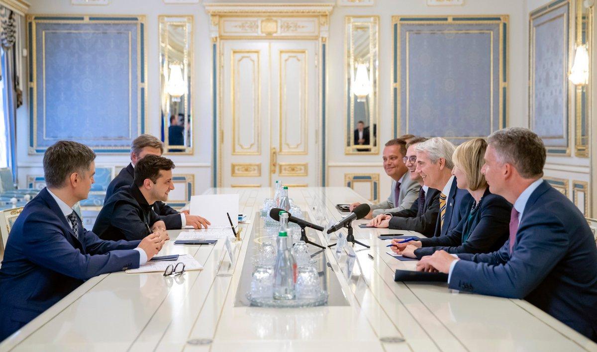 Американский план Б или сближение с Россией?