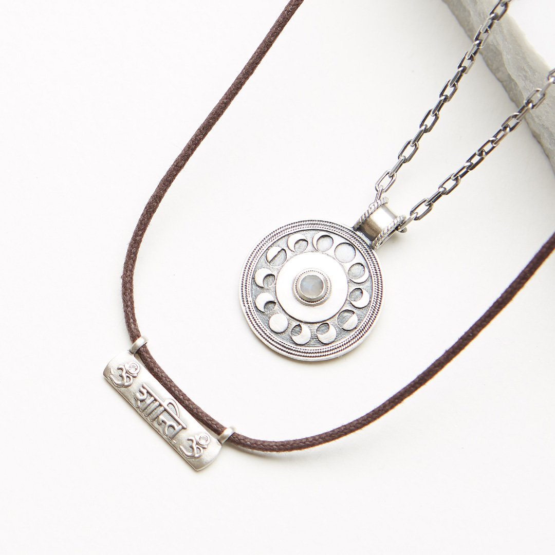 Our NEW men's styles have arrived!  Suprise the amazing man in your life this Father's day with symbols that inspire peace and positivity. Because who doesn't love a #ConsciousMan? http://bit.ly/2M8nMLIpic.twitter.com/jTtZ9OUxC0