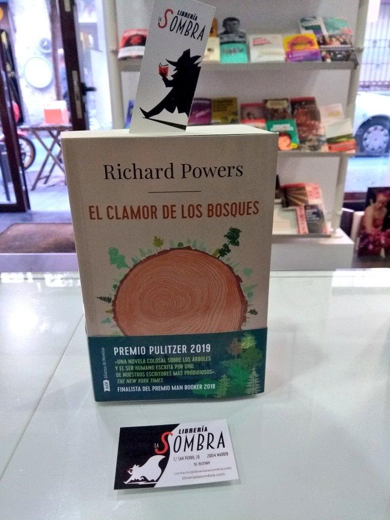 """Que tantos árboles no os impida leer """"El clamor de los bosques"""" de Richard  Powers, en @AdNovelas.pic.twitter.com/aoRLySzts5"""