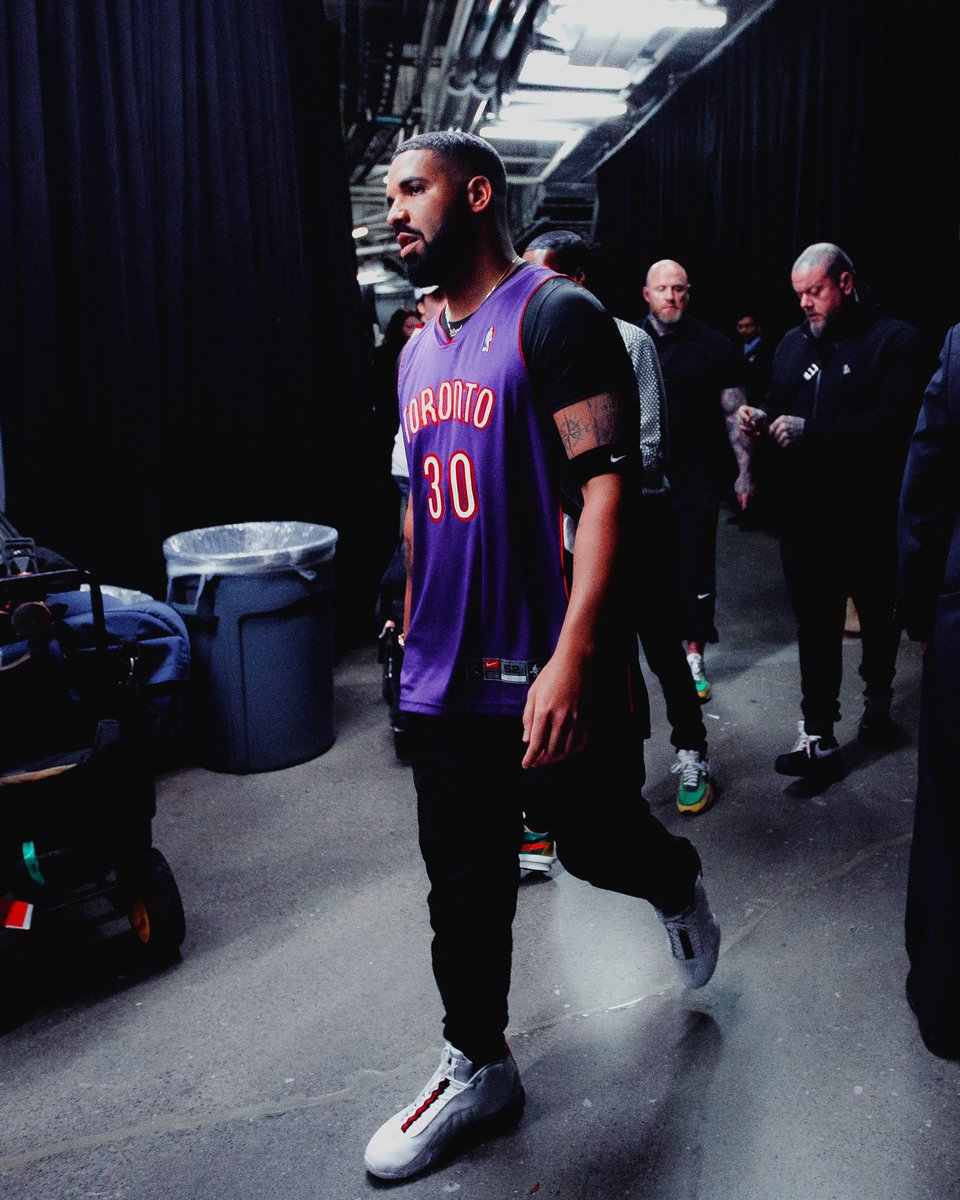 b6f20425bd0 drake rocking the dell curry raptors jersey and vinces shox bb4 pes for  game 1 yahoocasports