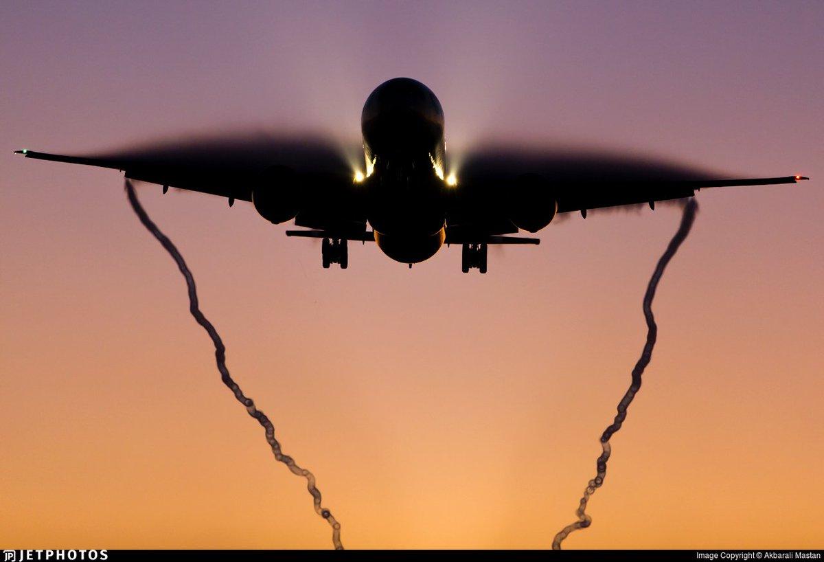 A British Airways 777 landing in London. https://www.jetphotos.com/photo/9327006 © Akbarali Mastan