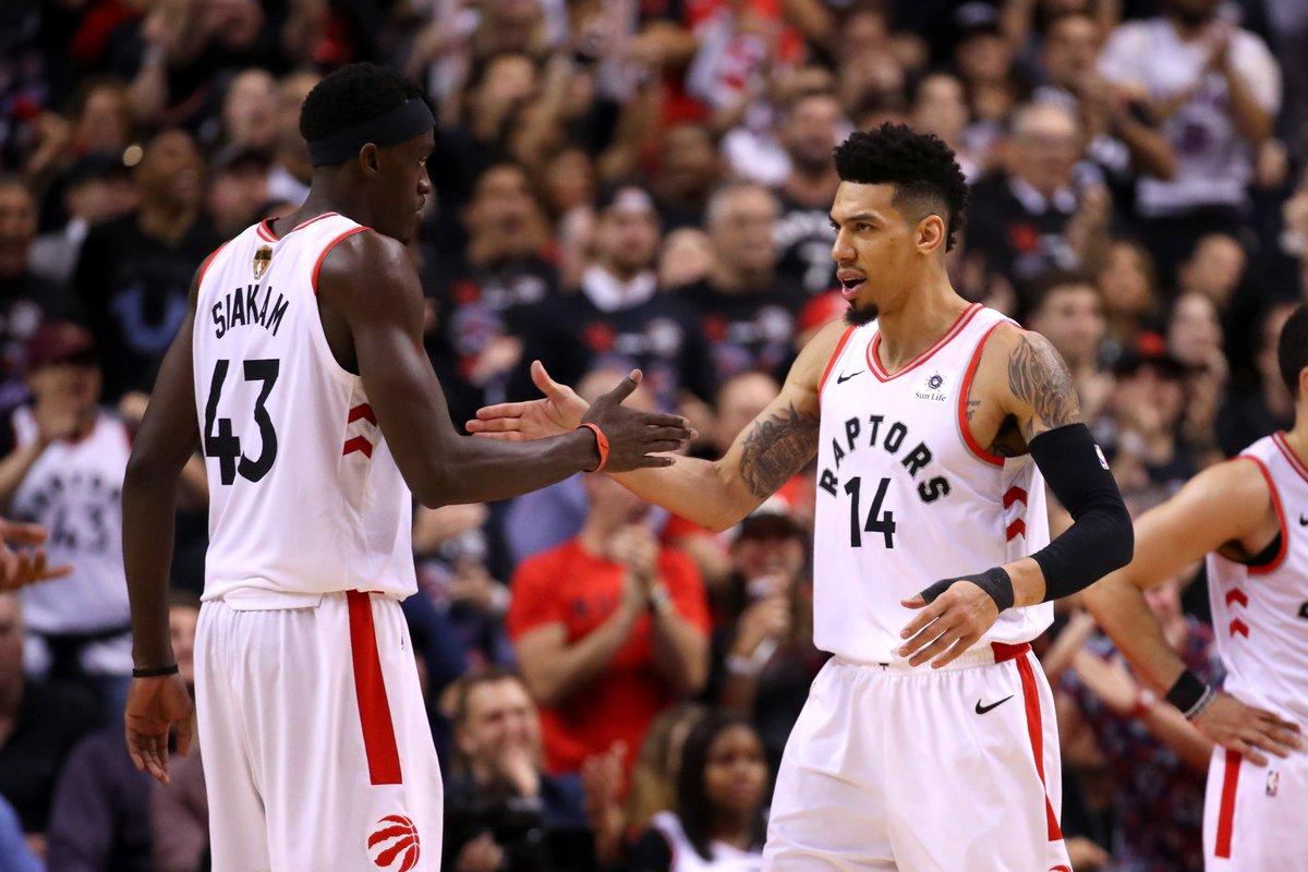 Mặc kệ Stephen Curry bùng nổ, Toronto Raptors dùng ý chí kiên cường hạ gục Warriors tại Game 1 NBA Finals 2019