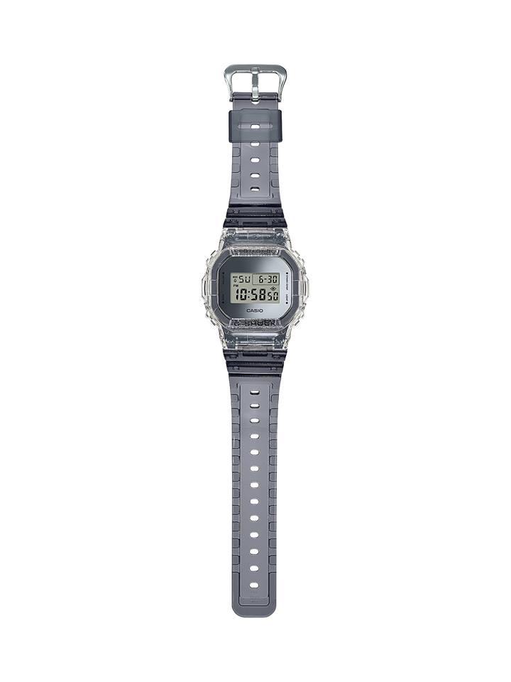 Relojes transparentes, la colección más reciente de  #GSHOCK ´@CasioGShockMX  Los modelos SKELETON DW-5600SK-1A y el GA-700SK-1A rescatan la estética transparente que fue muy popular en los 90. https://t.co/woudUL9ivJ