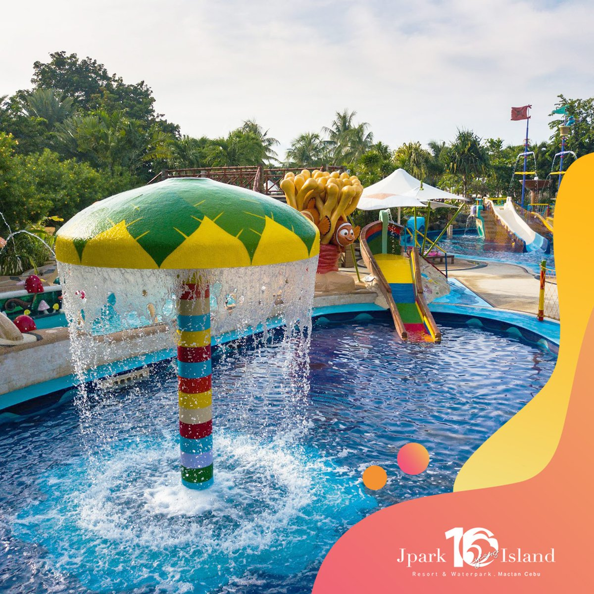 Ready to plunge and splash? Start the weekend right and take on exciting adventures with the whole family!   For reservations, visit: https://t.co/HjA4UQSTAq   #MyJparkStory #WaterYouWaitingFor  #TenYearsOfJpark https://t.co/DvaiWtDpQc