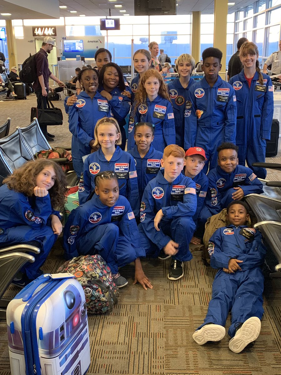 Flight group 1 is en route to Chicago! After a very short layover: Space Camp! @SpaceCampUSA @MauryElementary #getreadytosprint
