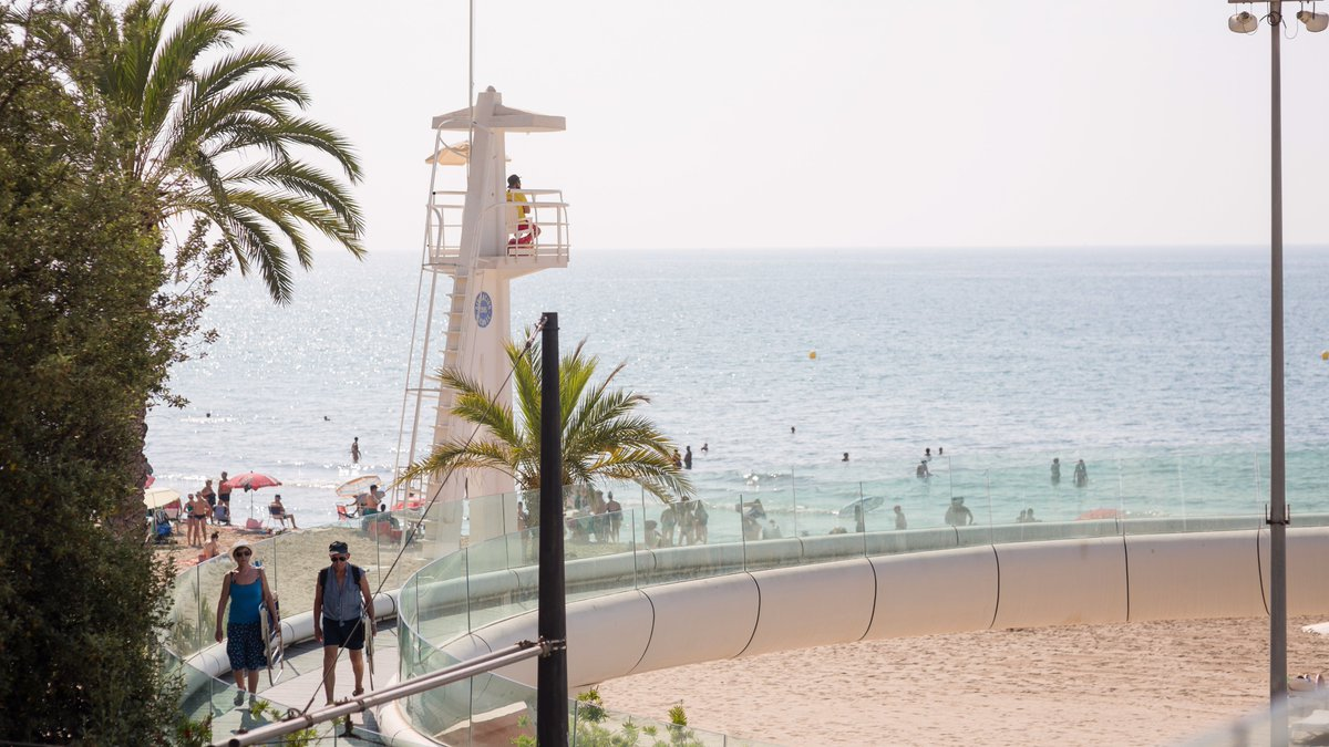 🤩🏖 #Playasmíticas para despedir el mes de #mayo   #Thesummeriscoming ☀️😎   #SoleateAlicante #EstoesAlicante #Mediterraneoenvivo  #Alicante #Alicantecity  #Lasmejoresplayas 👇