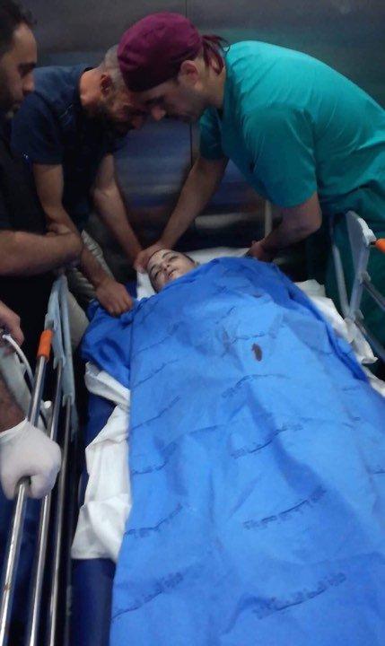 استشهاد الفتى عبد الله غيث - 16 عاماً - من مدينة الخليل بعد أن أطلق جنود الاحتلال النار عليه قرب بيت لحم أثناء محاولته الوصول للمسجد الأقصى.  #شهيد_الأقصى #جمعة_الاقصى https://t.co/6mzrFDCxry