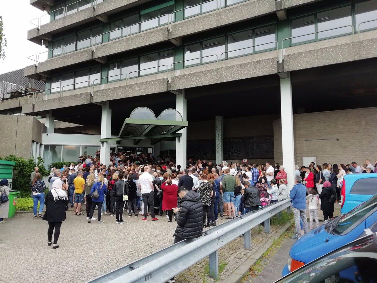 Blokker Actie Tuinmeubelen.Chaos Bij Uitverkoop Blokker Tuinmeubelen In Gouda Nos