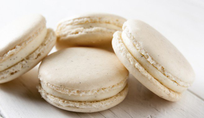 Oui, Oui!  It's #NationalMacaronDay and we are celebrating with French Macarons!  Get the recipe here: https://www.egglandsbest.com/recipe/french-macarons/ …