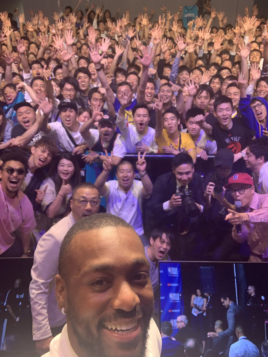 I had so much fun hanging out with the @NBAJPN fans at the #NBAFinals viewing party in Tokyo! #KembaInJapan #RakutenNBA  @hornets