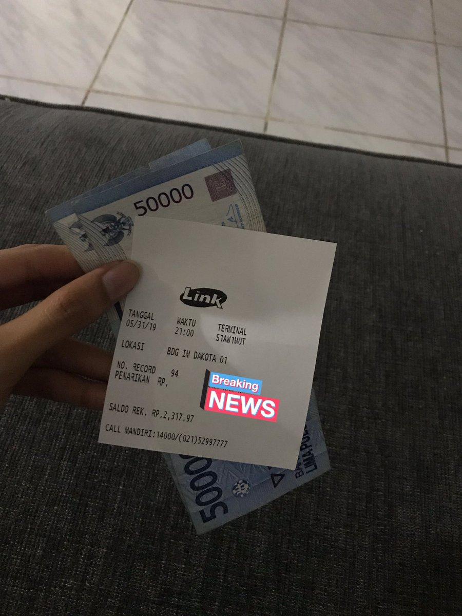 Bandung ᮘᮔ ᮓ On Twitter Via Puspabalaw Twitter Please Do Your Magic Ditemukan Uang 100rb Di Atm Mandiri Indomaret Dakota Jam 9 Malam Hari Ini Ada Yg Ambil Uang Tapi Uang Nya Ketinggalan
