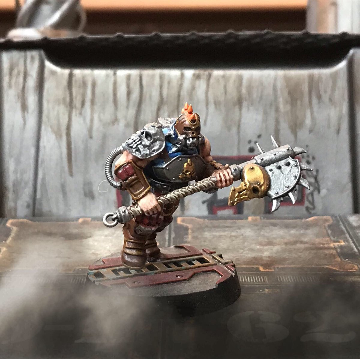 The next warrior has joined the tartan army! Looking forward to getting these guys on the tabletop. #necromunda #paintingminiatures #gamesworkshop #warhammer40k #wargaming #warmongers #warhammercommunity #goliath #painting #miniatures https://t.co/D6KetoJRj8