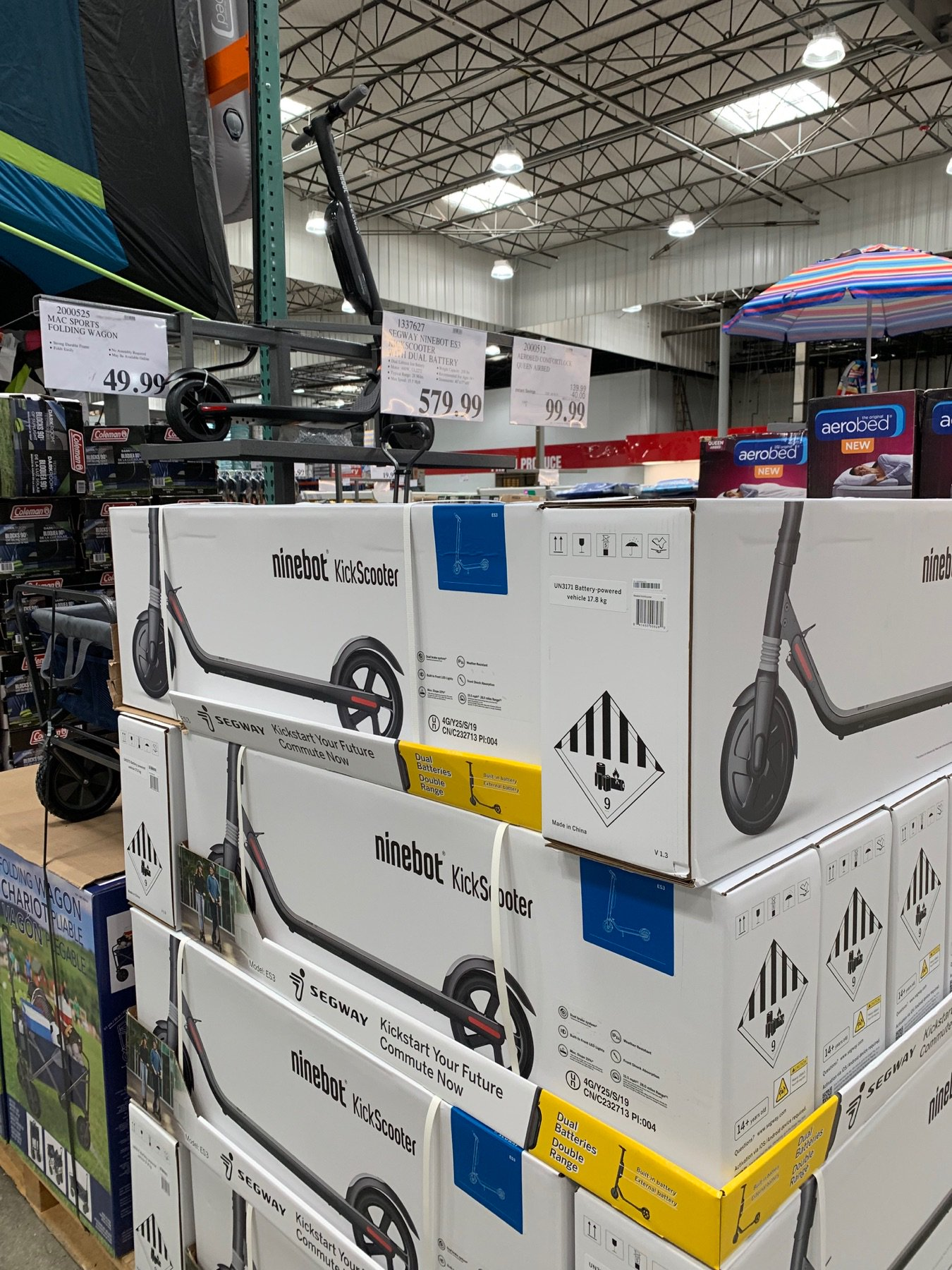 Horace Dediu On Twitter Ninebot Es3 Scooters With Dual Battery Are 580 At Costco 28 Mi Range 600w 15 5 Mph