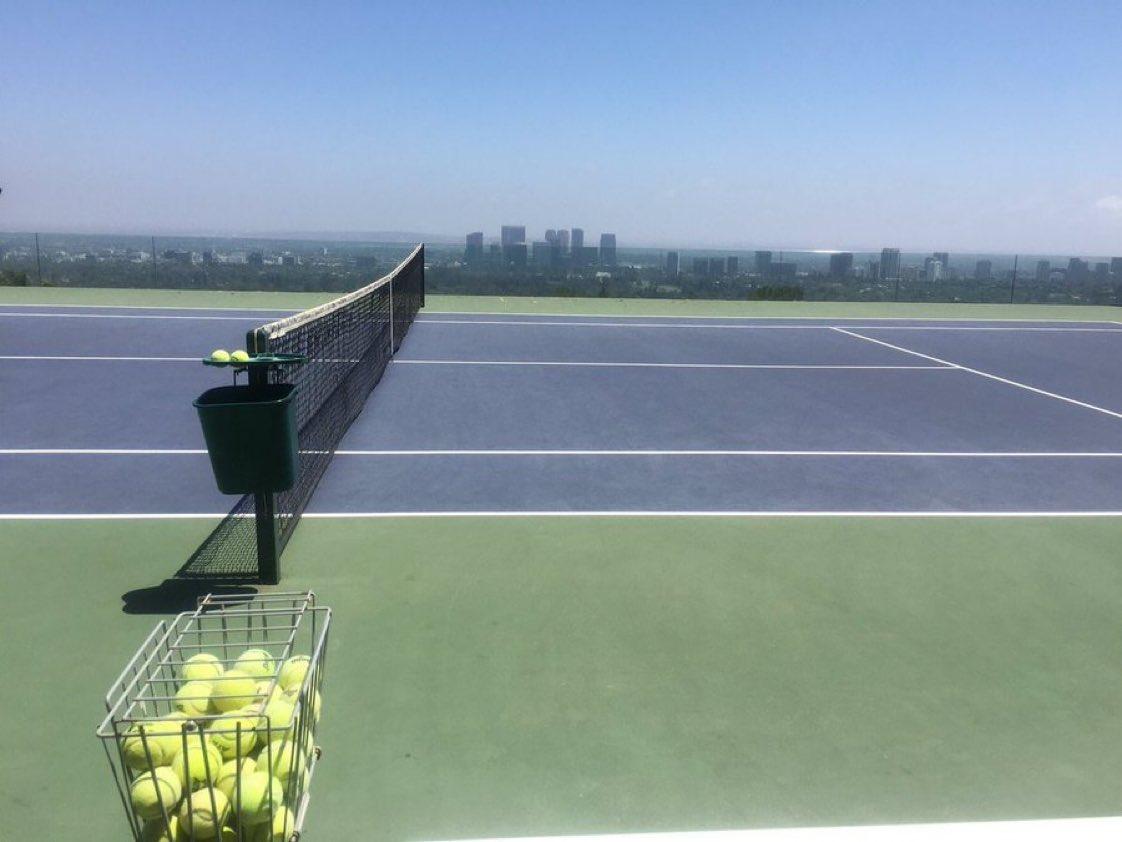 Download #TennisPartners App (Beta) and find friends to play #Tennis !! 🎾😃👉 bit.ly/QJTennis #Tenis