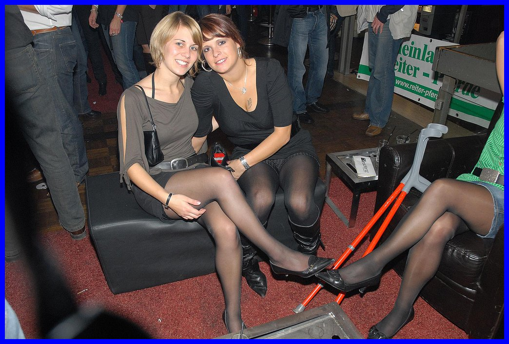 Search movie stars and candid pantyhose peeks — img 8
