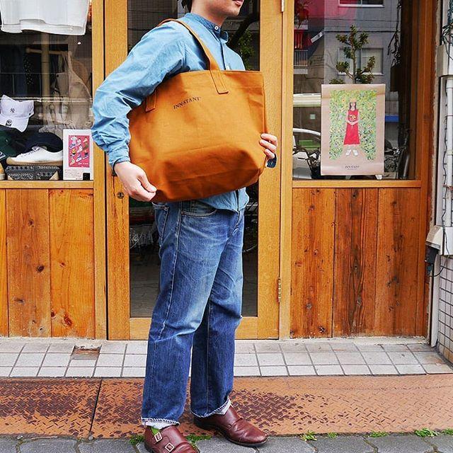 雑貨ブランドmateriの滋賀県高島の8号帆布使用したトートバッグ。 #innstant のロゴ入り!これ良い!  #トートバッグ #インスタント #スニーカー #大阪セレクトショップ #西田辺 #セレクトショップ大阪 #あべの #スクィーズココナッツ #Squeezecoconuts #mensfashion #bag http://bit.ly/2IbFLeZpic.twitter.com/w1hLqZQmK7