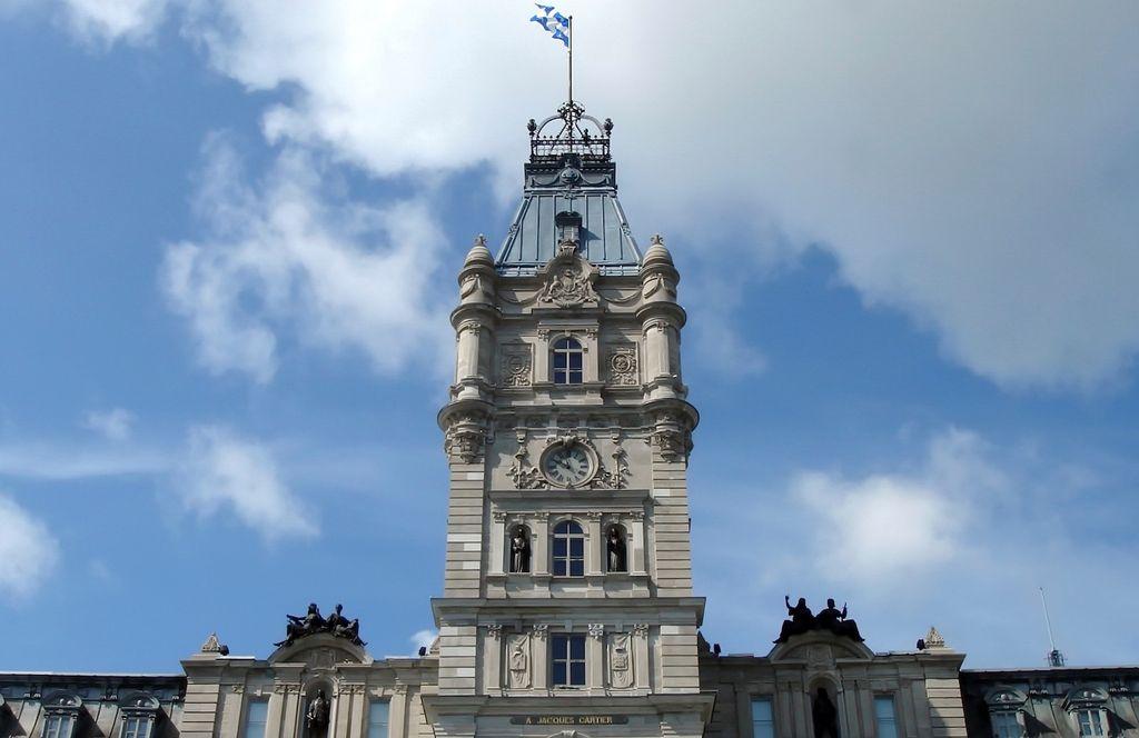 L'étonnante histoire du parlement https://www.lesoleil.com/actualites/letonnante-histoire-du-parlement-0bcf31cc8e7a44cafb0e5b93ecf03769?utm_source=dlvr.it&utm_medium=twitter…