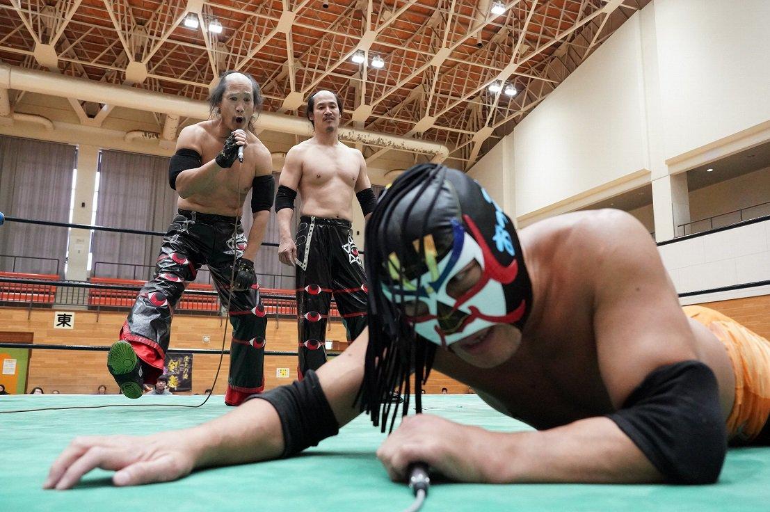 "BJW: ""Death Market 50th Anniversary"" Yuji Okabayashi retiene 3"