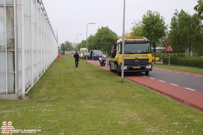 Twee gewonden bij ongeluk Lange Kruisweg https://t.co/q23tyR5NTB https://t.co/0OGoZ65tI9