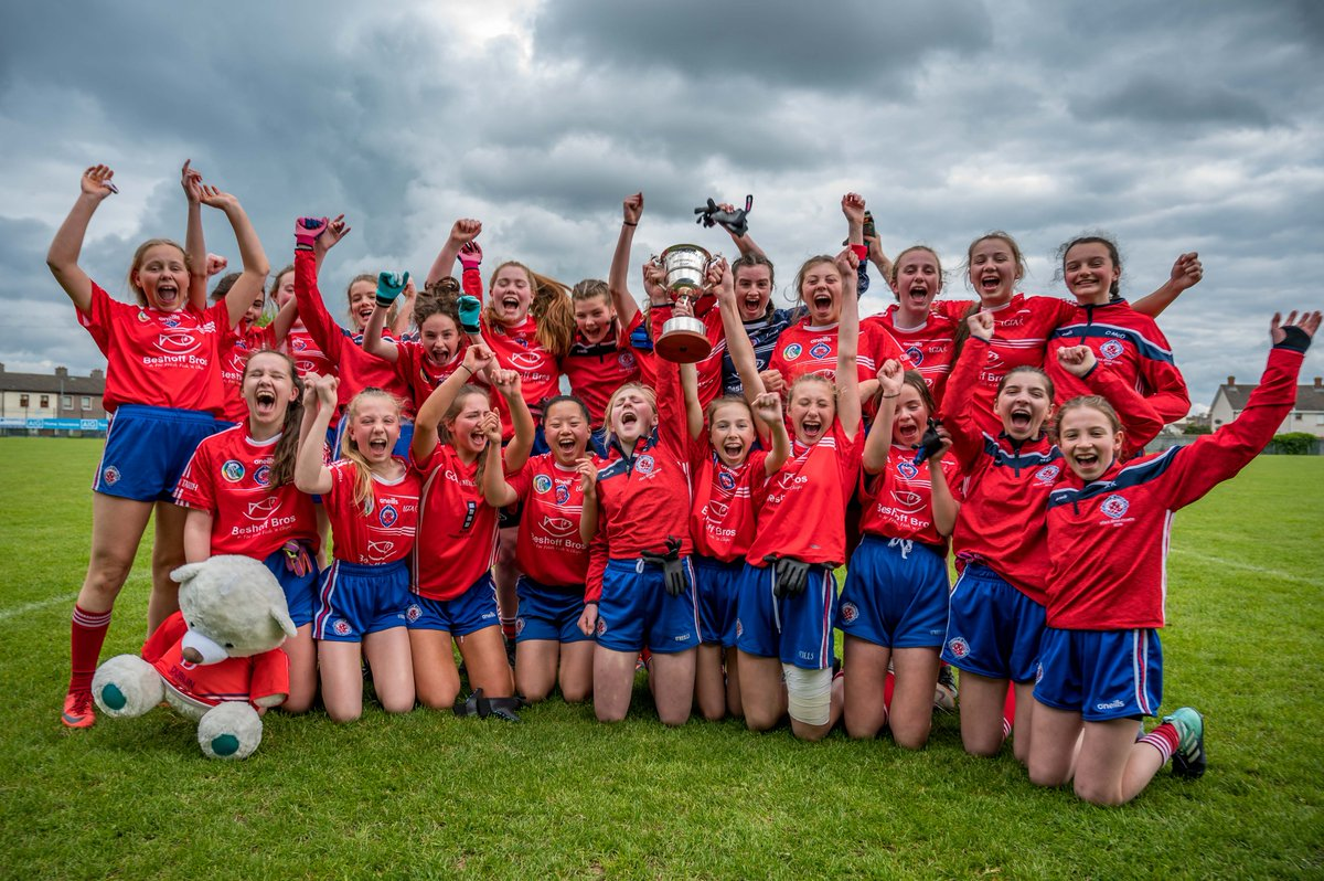 Dublin LGFA have new Feile champions! READ how @ClontarfGAAClub saw off the challenge from a gallant @theislesclg side to be crowned @AIGIreland Dublin Feile Division 1 Champions & claim the Emma Jones Memorial Trophy #AIGFeile19 dublinladiesgaelic.ie/news-detail/10…