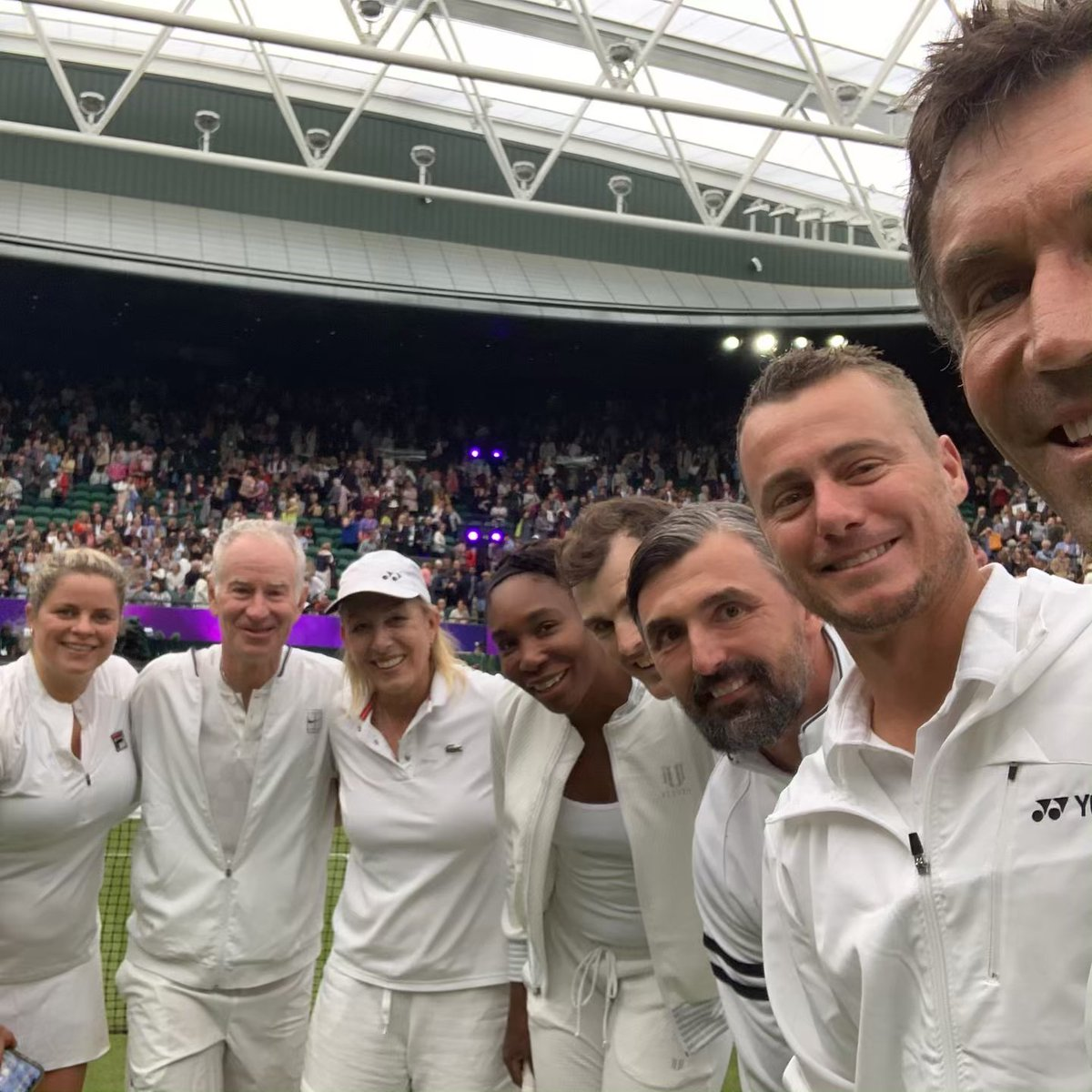 What a line up of super stars at @Wimbledon for the No.1 Court Celebration! Great fun and lots of £££ raised for charity. #Wimbledon #Tennis #RoofForAll