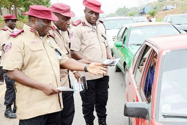 #FRSC Begins 'Operation Show Your Drivers #License' In #Lagos https://autojosh.com/frsc-show-license-lagos/ … #Fine #Motorists