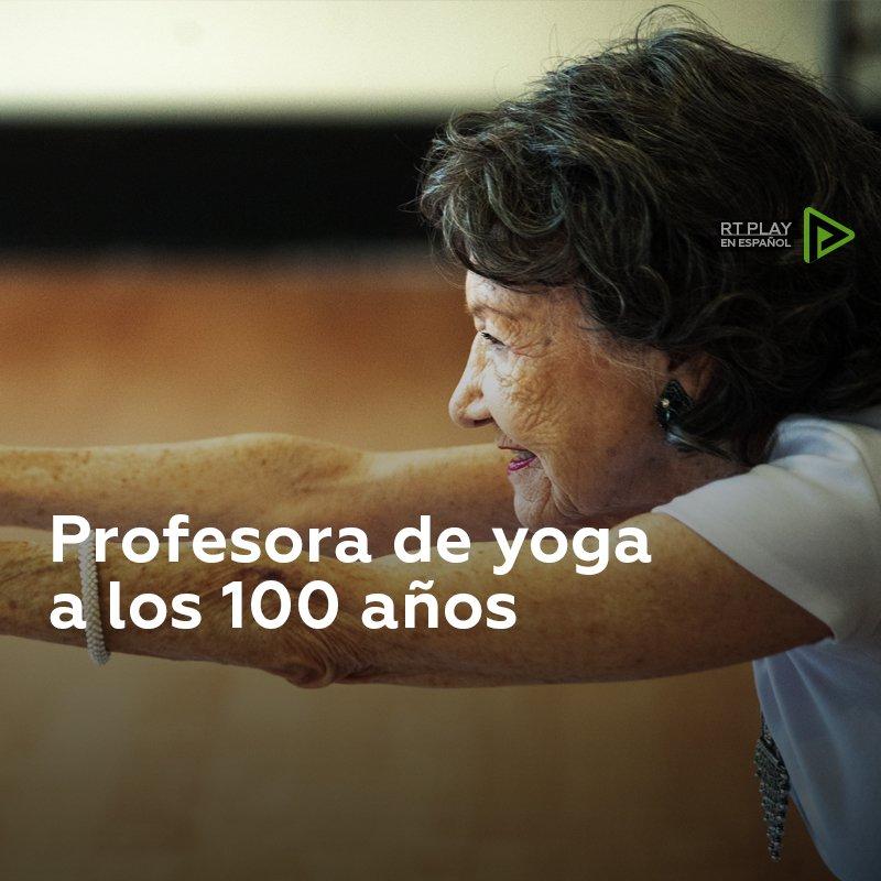 🧓 Esta mujer de 100 años no tiene planes de dejar de enseñar yoga