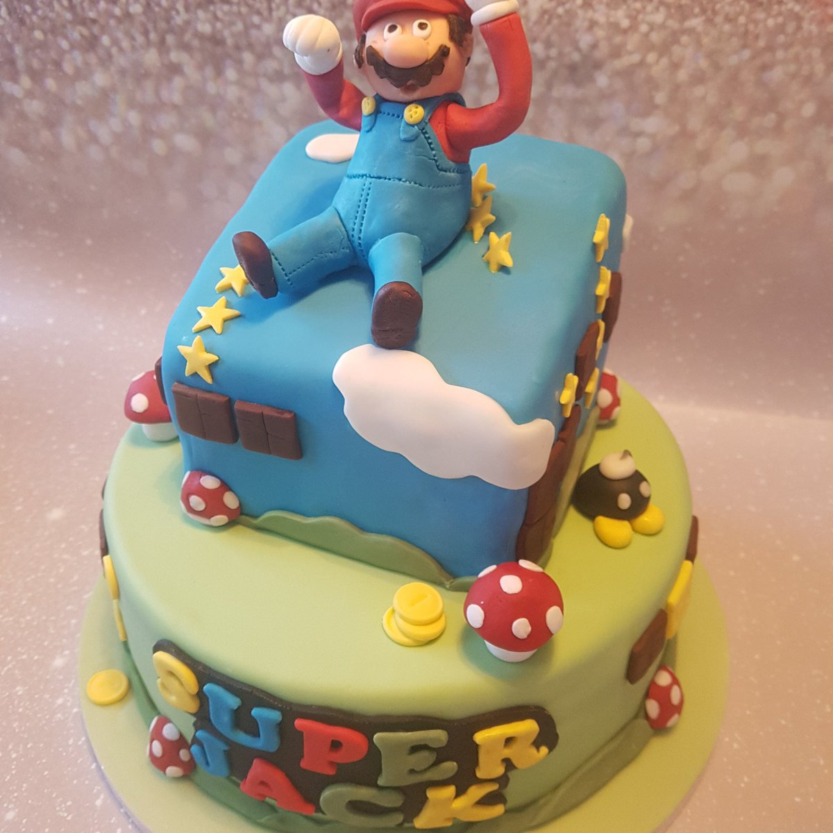 #Cake 🍰 Awesome of the Day: #Geek 🤓 #Nintendo #Mario #Birthdaycake 🎂 for 'Super Jack' via @serenityflorist #SamaGeek #SamaCake