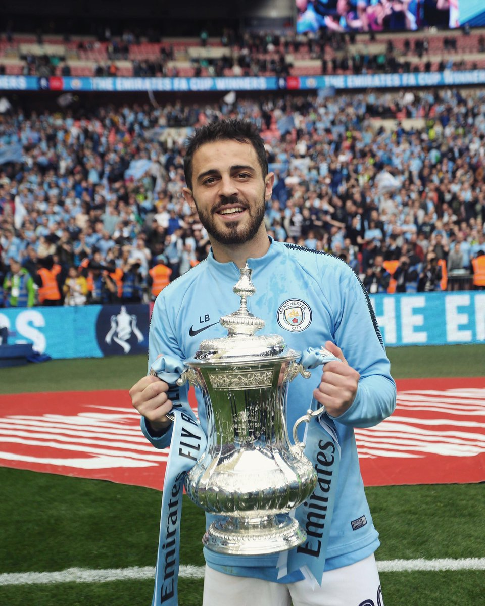 Bernardo Silva voted Manchester City's Player of the Season! 👏