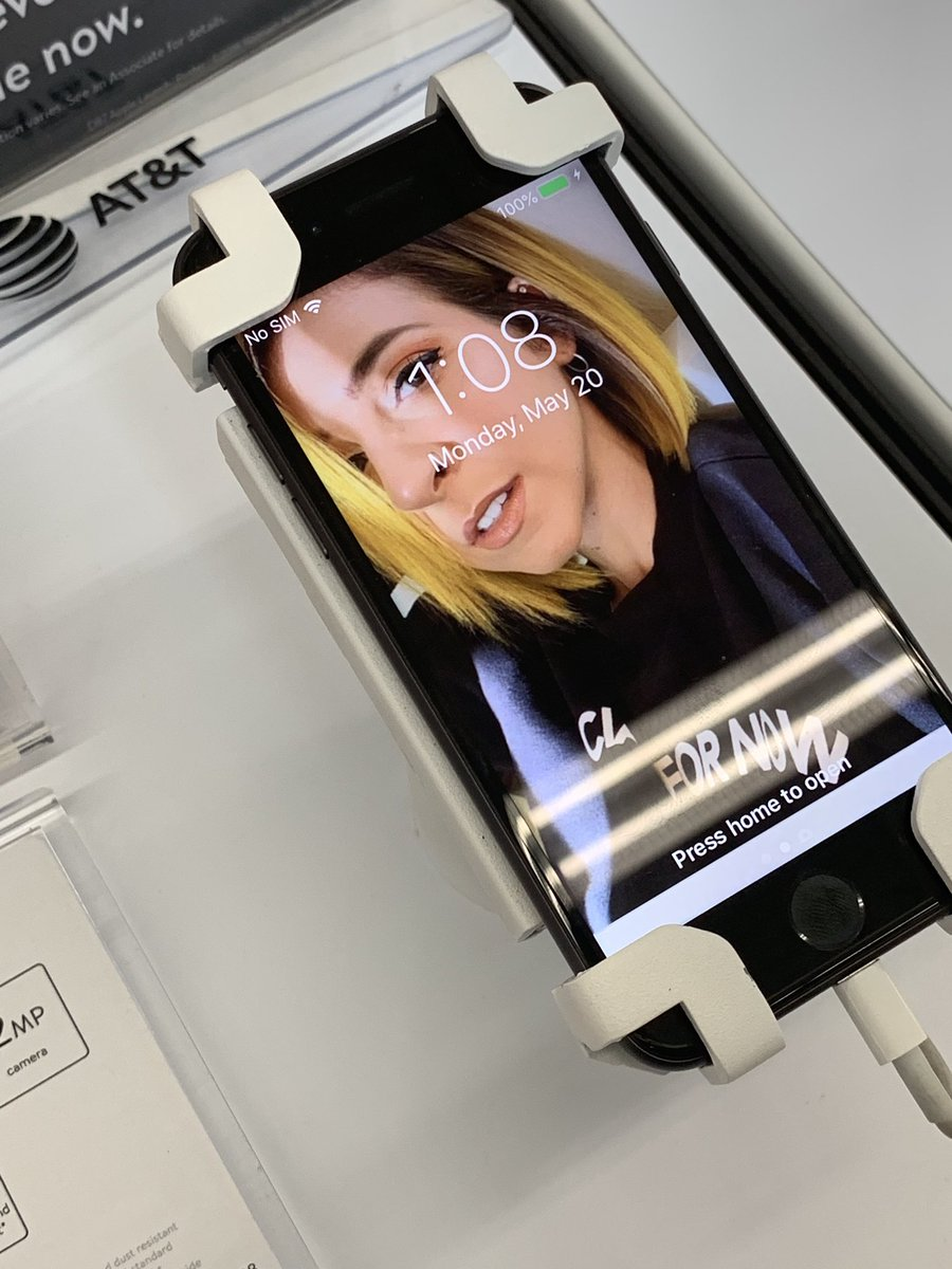 @GabbieHanna I work in a Walmart with the wireless section and someone blessed us all with your lovely face! Unfortunately I'm required to take it off since it's not a stock photo from apples demo modes. But it made my day much better <br>http://pic.twitter.com/TXlDqIwwh8