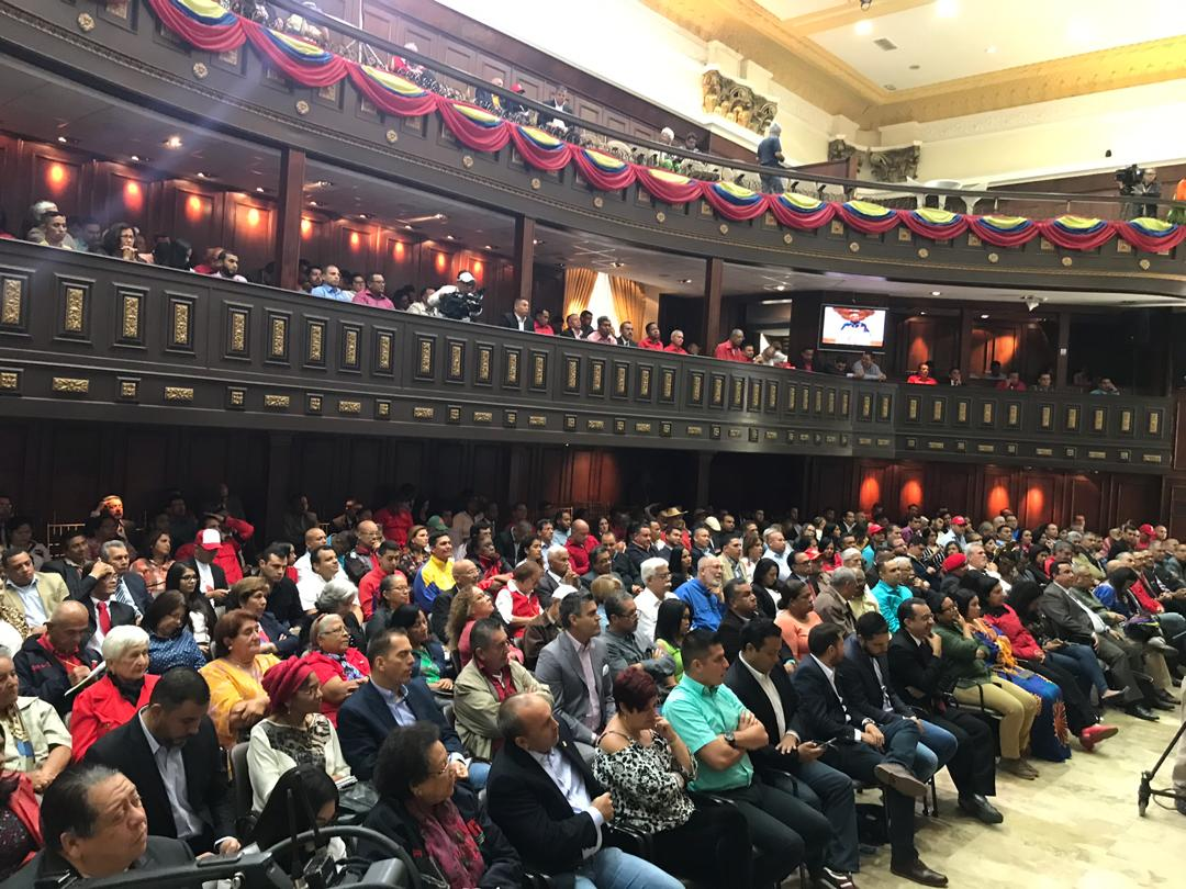 Constituyente Hermann Escarrá: Nosotros vinimos a restaurar la paz, a defender al pueblo de Venezuela, pero sorpresivamente vinimos a defender algo que no nos imaginamos defender ante otros venezolanos: la soberanía nacional. #ANCHasta31Dic2020