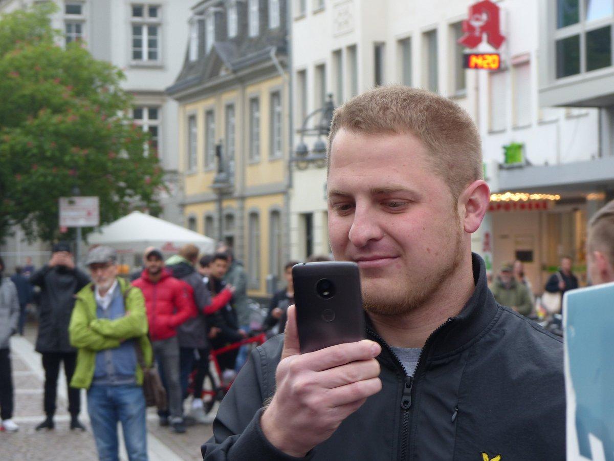 RT @RechercheKoln: Starke spontane Proteste gegen #Nazis von #DieRechte in #Brühl https://t.co/oiiLwbvbEl