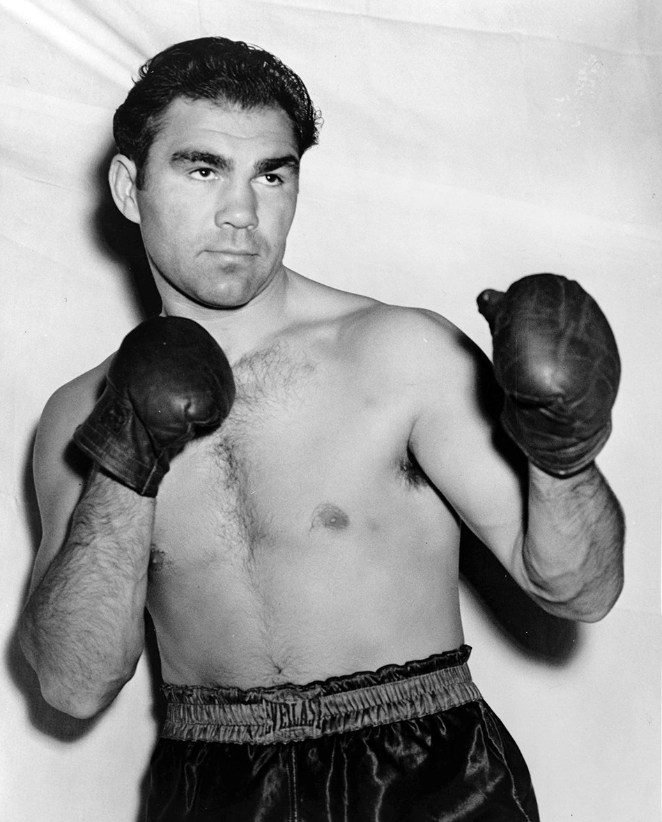 German heavyweight champion of the world Max Schmeling (1905-2005) served as an Fallschirmjäger and landed on Crete in May 1941, where he was wounded in action. Schmeling boxed against American legends such as Joe Louis, with whom he later became good friends. #WW2pic.twitter.com/gxnTalVyaO