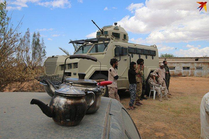 ظهور مدرعات الاردنية المارد 8x8 و المومباي 6x6 و الوحش 4x4 في ليبيا D7BDtkxW0AAo4kL