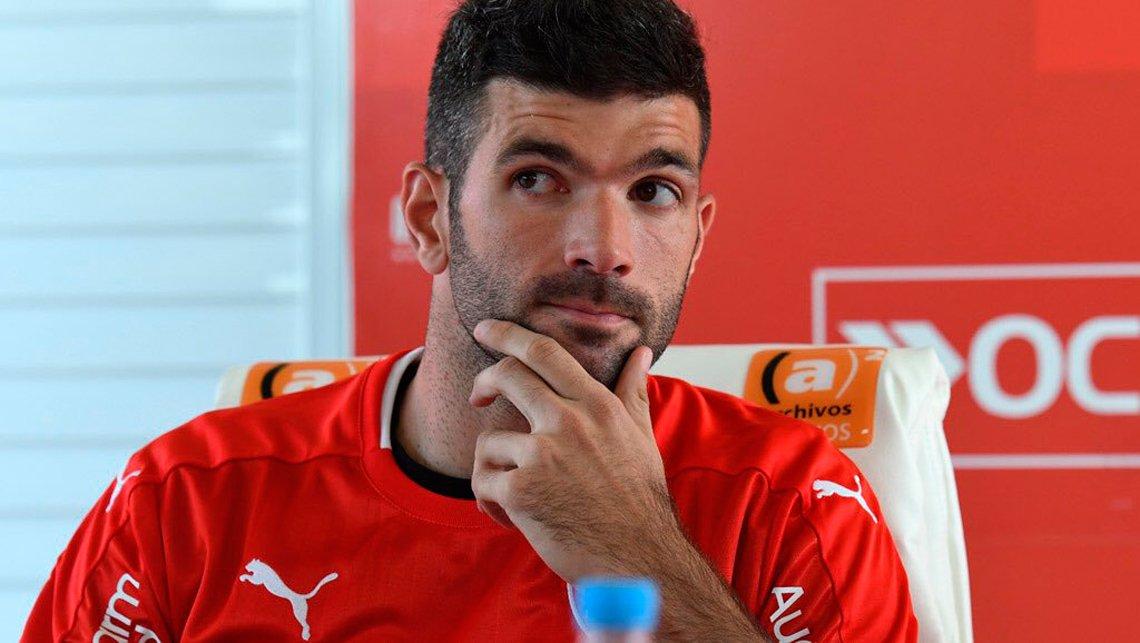 """Emmanuel Gigliotti declaró """"Me gustaría volver a #Independiente """". . .  ¿ A vos te gustaría que vuelva a ser el 9 de #ElUnicoRey?  🔁 SI ❤️ NO"""